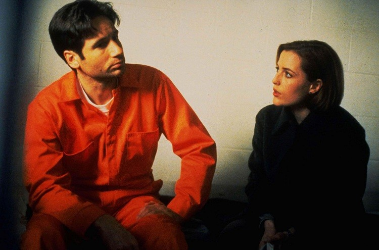 The X-Files X Files Season Four 4 Mulder Scully Jail